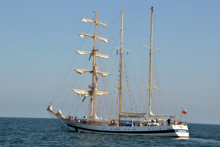 Pogoria in the Parade of Sail